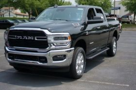 Dodge Ram HD Crew Cab Running Boards Romik® RB2-TB Side Steps (2019 - Present)